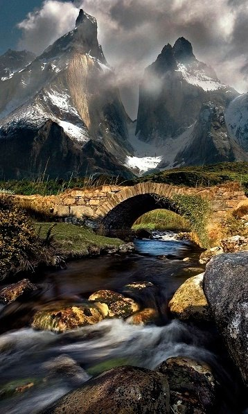 Montanhas Stream in Torres del Paine Chile